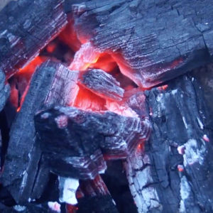 easy way to light lump charcoal