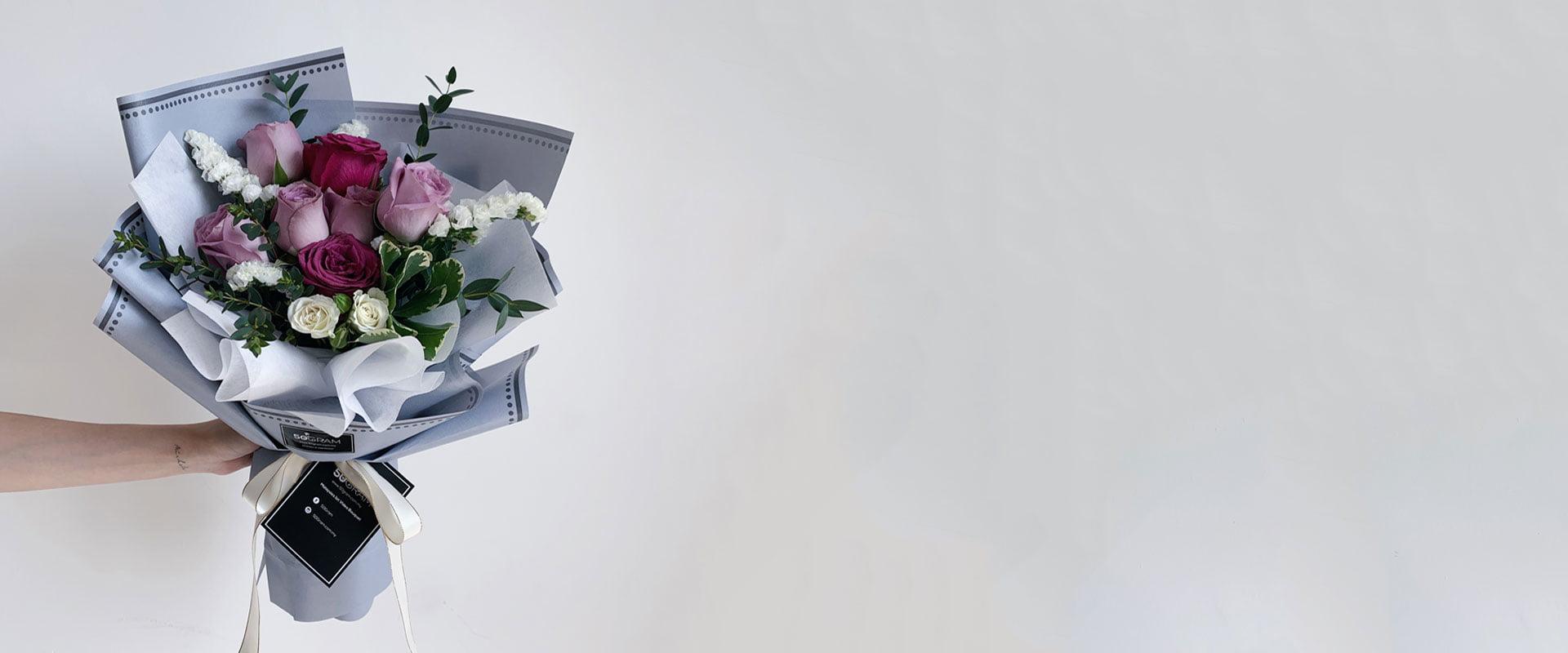 Hand-Bouquet-Page-Header-v2.jpg