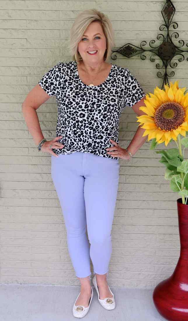 50 IS NOT OLD | HOW TO STYLE COLORED JEANS | FASHION OVER 40