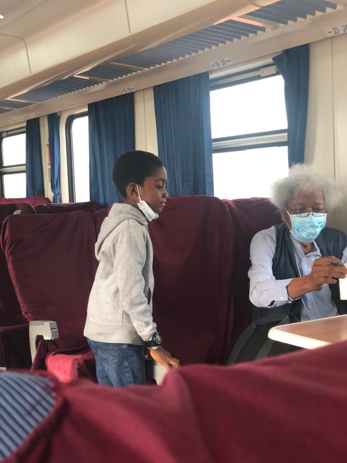 Happy Dad Shares Moment Professor Wole Soyinka Signed an Autograph for His Son On a Lagos-Abeokuta Train Ride professor wole soyinka - EqZHazqXIAIWBkL - Happy Dad Shares Moment Professor Wole Soyinka Signed an Autograph for His Son On a Lagos-Abeokuta Train Ride