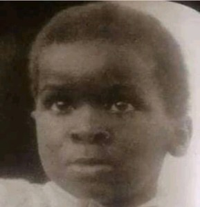 - FB IMG 16108898494250276 289x300 - The Little Boy In This Picture Was Once A Governor In Nigeria, Can You Guess Who He Could Be?  - FB IMG 16108898494250276 - The Little Boy In This Picture Was Once A Governor In Nigeria, Can You Guess Who He Could Be?