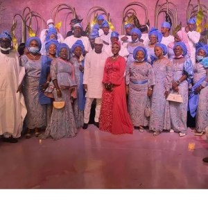 laycon bbnaija - laycon 2 1 300x300 - BBNaija star, Laycon gets Bombarded By Guests at Dimeji Bankole's wedding bbnaija - laycon 2 1 - BBNaija star, Laycon gets Bombarded By Guests at Dimeji Bankole's wedding