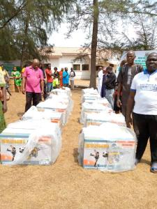 - p3 225x300 - What An Exceptional Lawmaker: Constituents Applaud Julius Ihonvbere As Lawmaker Empowers More Groups With Generators And Deep Freezers (PHOTOS)  - p3 - What An Exceptional Lawmaker: Constituents Applaud Julius Ihonvbere As Lawmaker Empowers More Groups With Generators And Deep Freezers (PHOTOS)