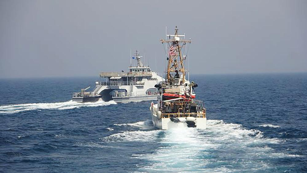 [object object] - 1000 5 - Iran, US warships in first tense Mideast encounter in a year