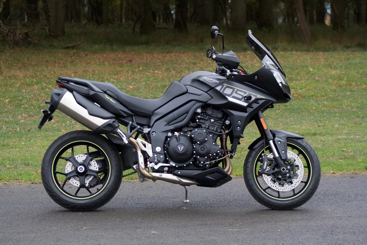 review we ride the new triumph tiger sport 1050. Black Bedroom Furniture Sets. Home Design Ideas