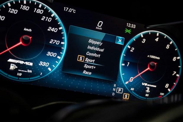 Mercedes-AMG C 63 S dials