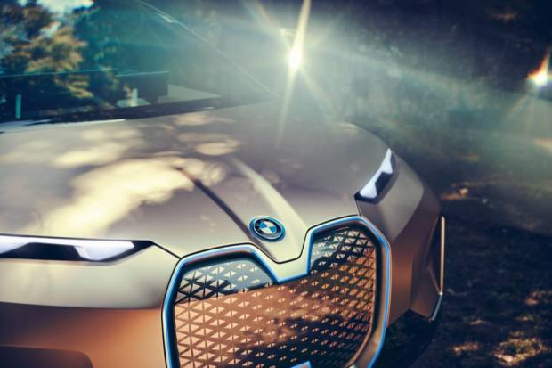 BMW Vision iNEXT grille