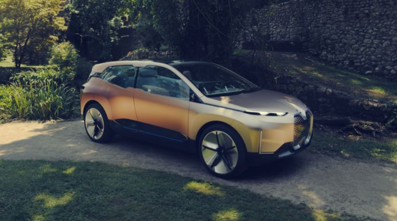 BMW Vision iNEXT front quarter