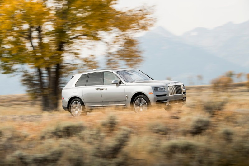 Rolls-Royce Cullinan driving