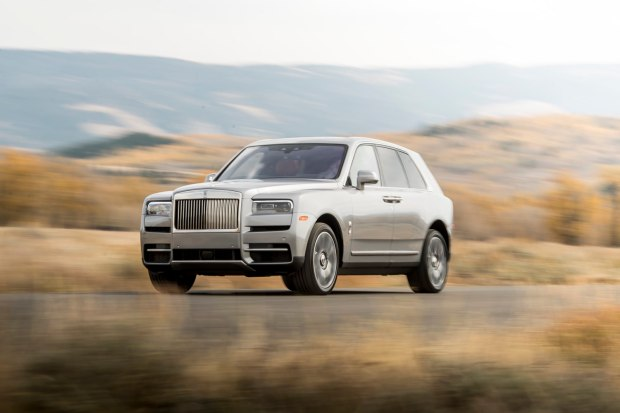 Rolls-Royce Cullinan driving along