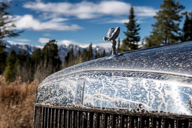 Rolls-Royce Cullinan muddy