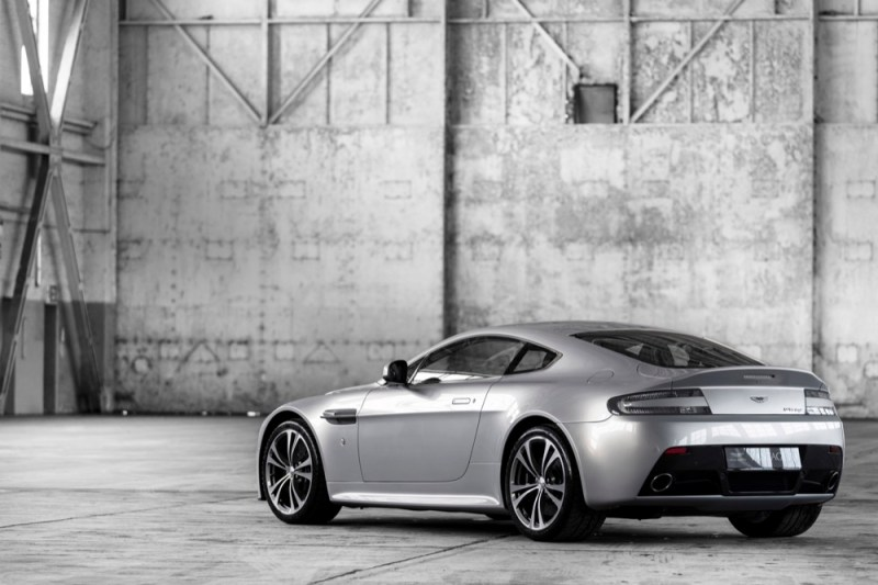 Aston Martin V12 Vantage rear