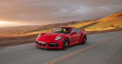 Porsche 911 Turbo S driving