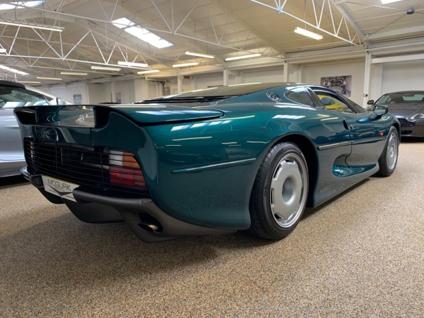 Green Jaguar XJ220 rear