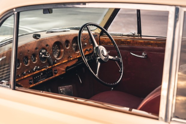 1952 Bentley R-Type Continental interior