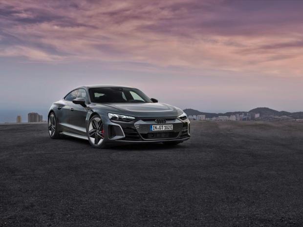Audi e-tron GT main image