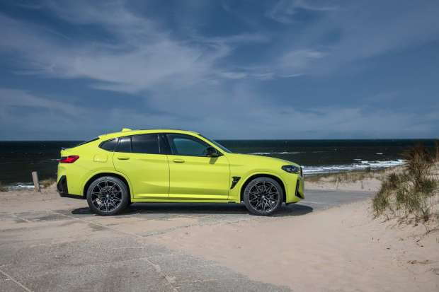 BMW X4 M Competition side