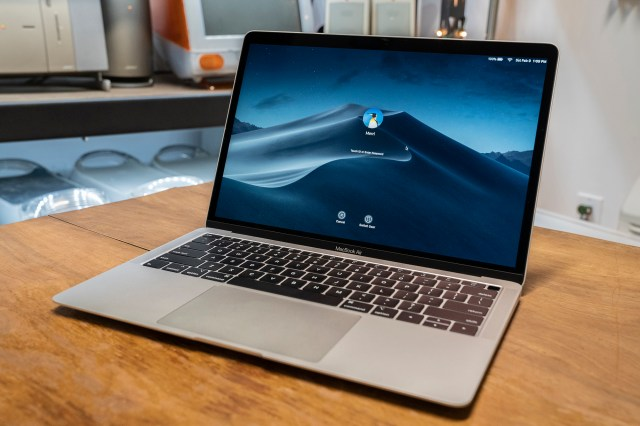 2018 MacBook Air Review: Getting the Band Back Together