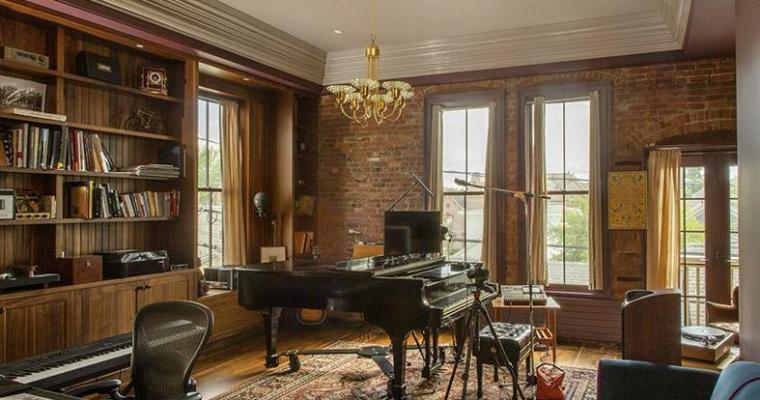 Famous Musician to Sell Hudson Home