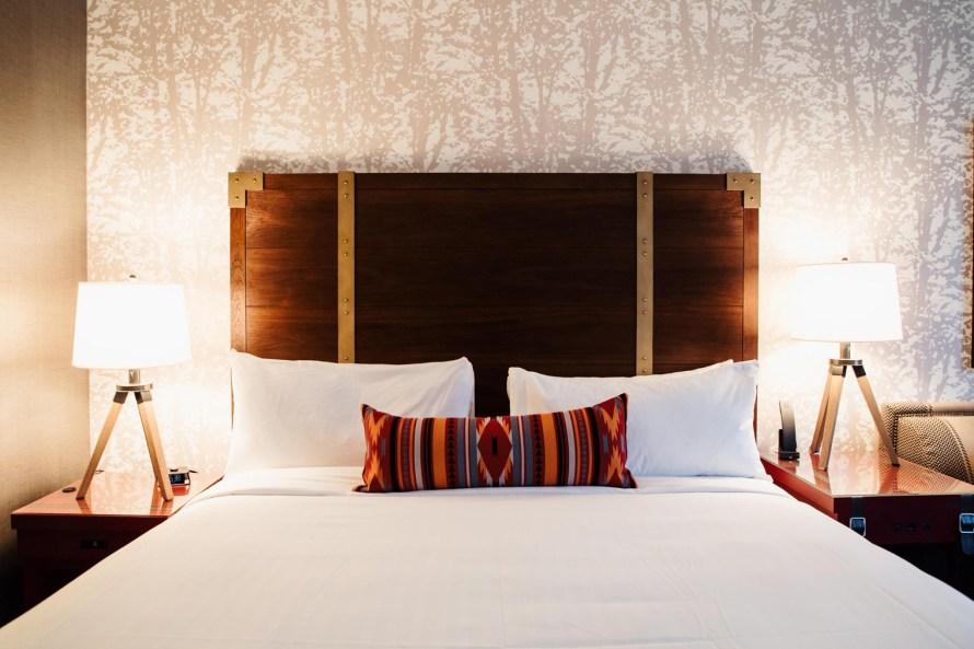 Gaylord Rockies Resort bed