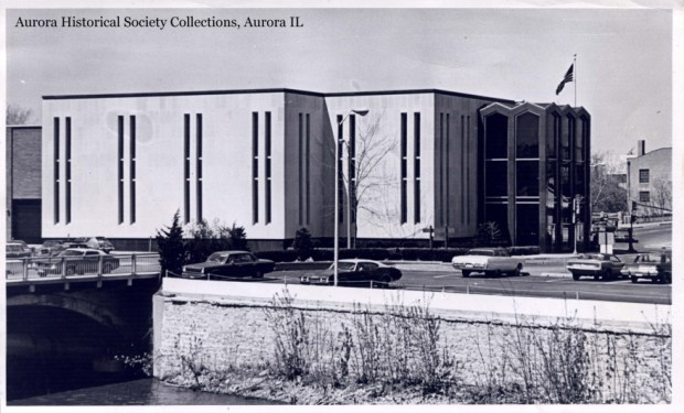 During the 1969 renovation, which cost as much as erecting the building in the first place, the library tripled in size and got a new, unified facade.