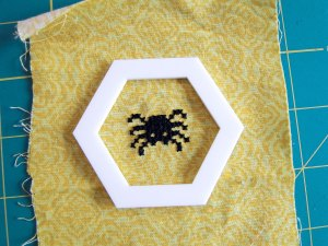 The template frames the spider cross stitch done by Rebecca of Hugs are Fun perfectly!