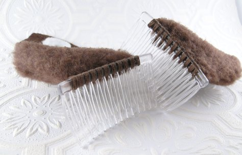Detail of how they are attached to the comb