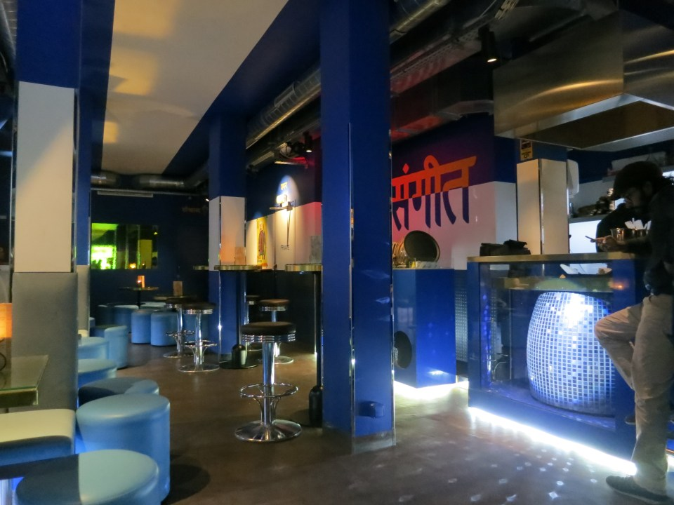 bar at baranaan speakeasy paris