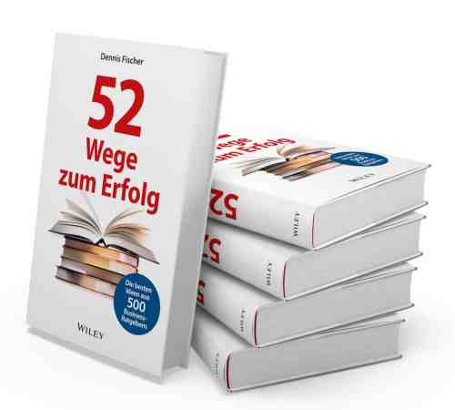 Dennis Fischer: 52 Wege zum Erfolg - Bücherstapel