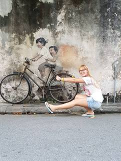 Street art interaction by Olivia