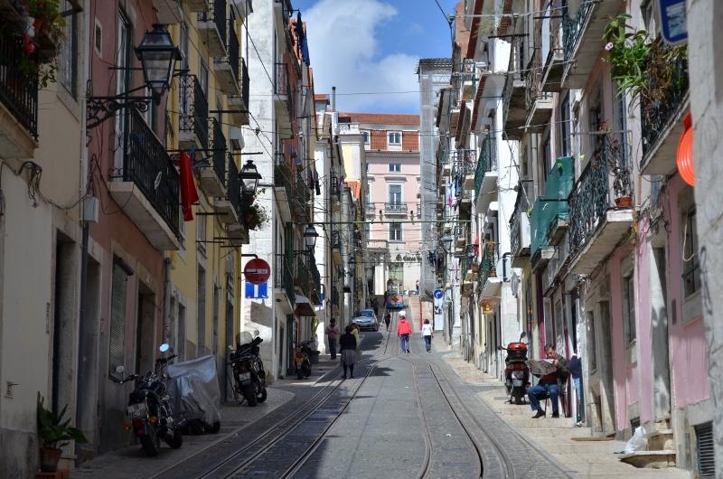 La rue..Le tramway