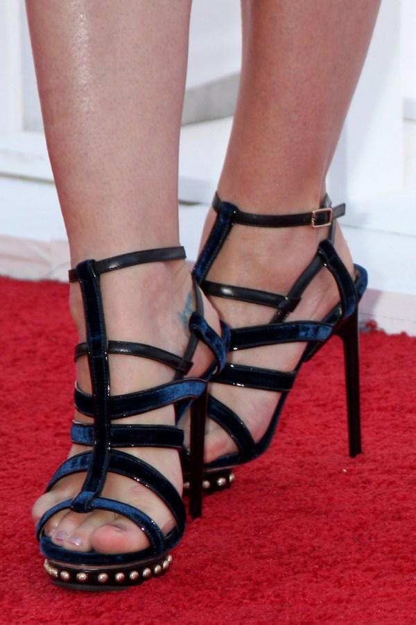 Jamie King Feet in High Heels « 555 Celebrity Shoes
