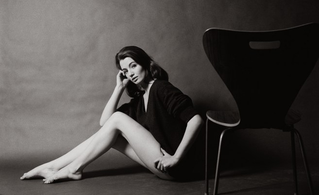 Christine Keeler, London 1963. Keeler had been living with society doctor Stephen Ward, who introduced her to John Profumo, Minister of War in Harold MacmillanÕs Conservative government. Another of her frequent visitors was the Soviet naval attachŽ Eugene Ivanov. Pressure from Fleet Street scandal sheets forced ProfumoÕs resignation, Stephen Ward to suicide and Keeler to be imprisoned. Morley photographed Keeler in his studio above The Establishment at the behest of Peter Cook as publicity shots for a future film. As Morley has noted: ÒMy own driving force has always been more emotional than intellectual and so the Sixties was also my period in that it sex became the great leveller. People had always experimented but in the Sixties it was done openly. When Christine Keeler was paid some subtantial amount of money to give her story to the newspapers, such things became common knowledge... Profumo resigned his post and the Government was brought into chaos and disrepute, and another of Ôour beloved institutionsÕ, this time aÊcentral one like the Government, turned to dust.Ó
