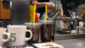 ファイブクロスティーズコーヒーのハンドドリップ