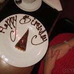Syrran fick en liten födelsedagskaka, gulligt!