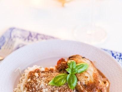 Italiensk fylld kyckling i tomatsås