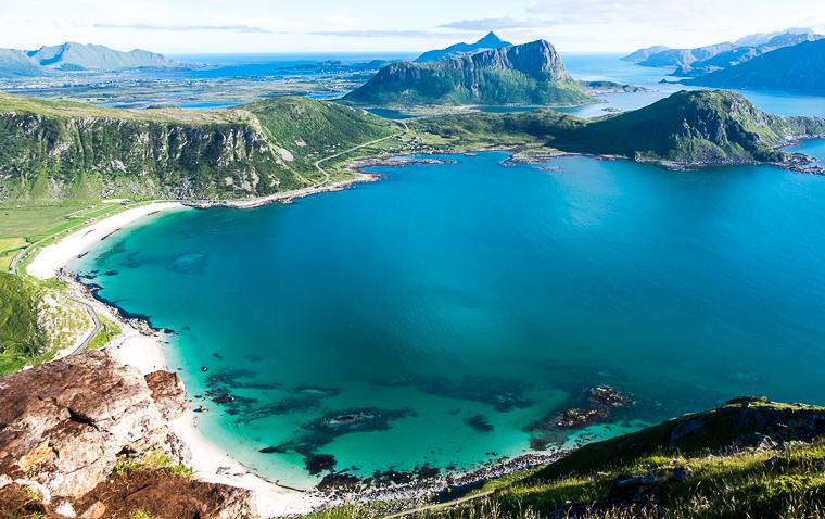 58GradNord - Mit Kindern wandern Nordnorwegen Lofoten - Tolle Aussicht vom Mannen