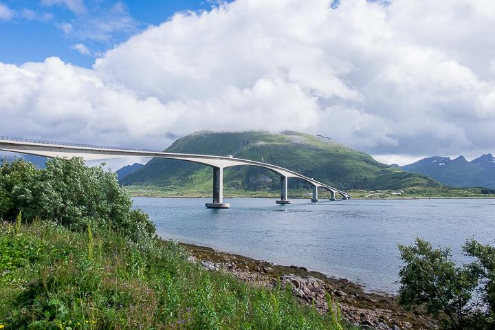 Norwegen mit Kindern - Lofoten Roadtrip - Brückenarchitektur