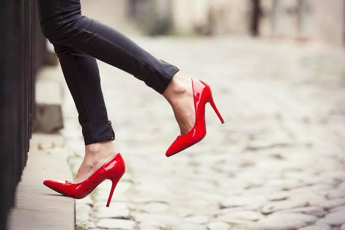 تفسير حلم هدية الحذاء ما يعنيه الحذاء فى المنام الغدر والخيانة
