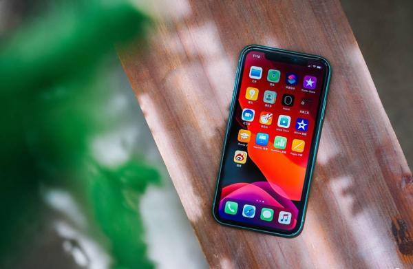 它是蘋果的5G替代品:它讓iPhone11實現5G的下載速度!