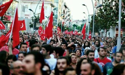 Турция: Арабска пролет или Оранжева революция