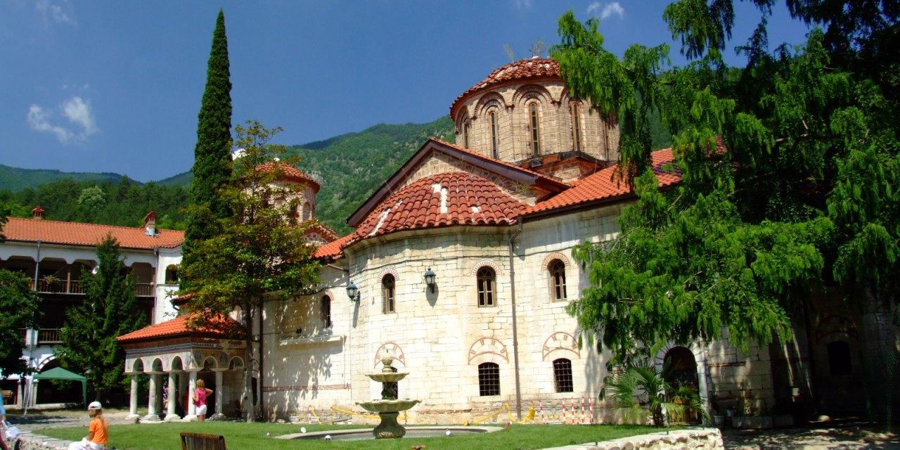 Архимандрит Симон става редовен игумен на Бачковския манастир