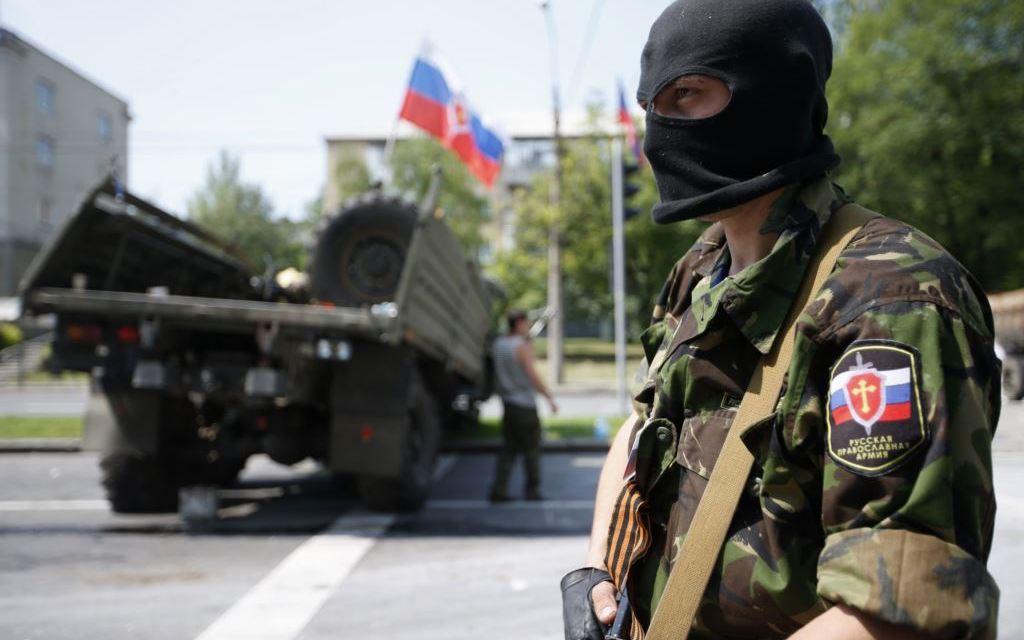 Всички бягат от Източна Украйна