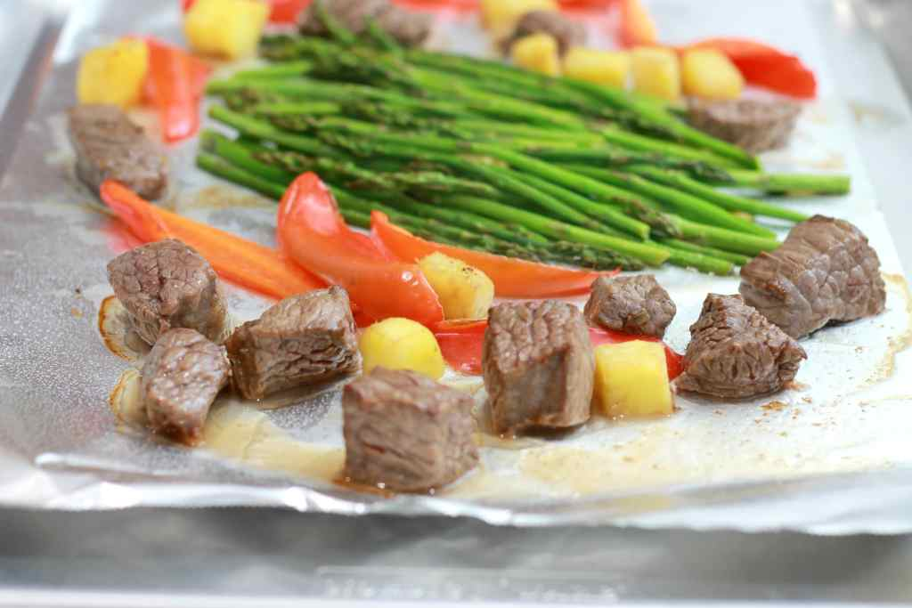 "Paleo Ginger Beef Un-kebobs. So what is an ""Un-kebob"" anyway? Well its the kebob without the stick. 