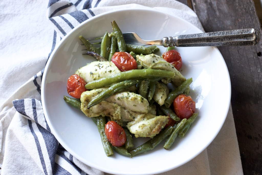 Keto Low Carb ONE PAN Chicken Pesto Dinner! So simple and super simple clean ingredients. Will make this one again and again. | 5dinners1hour.com