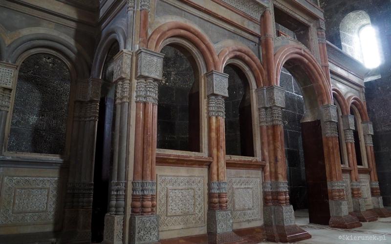 Kościół Świętych Apostołów w Karsie - Piąty Kierunek02