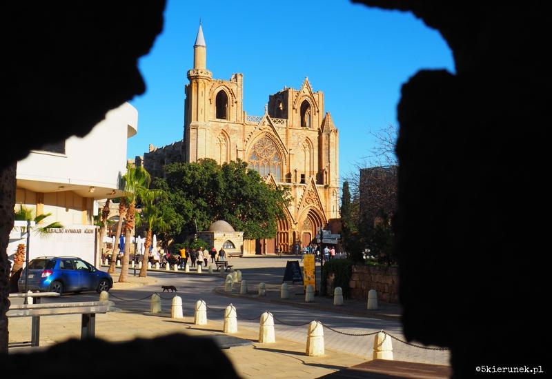Famagusta - stare miasto - Meczet Lala Mustafa Paşa (dawna katedra św. Mikołaja)