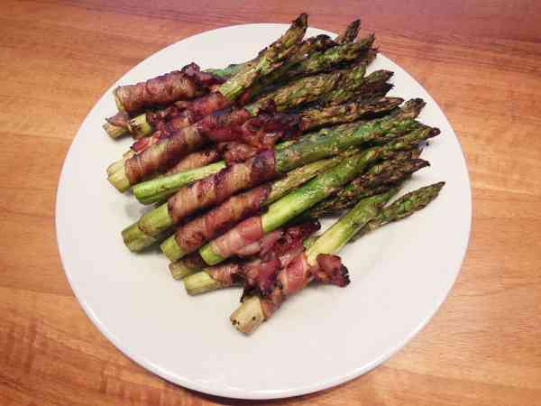 Ketogenic Bacon Wrapped Asparagus