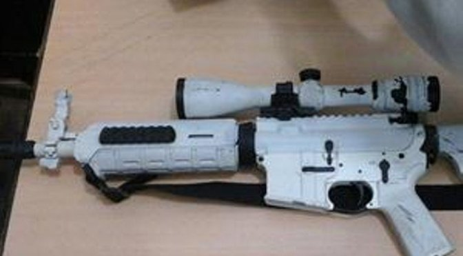 En Tres de Febrero con un fusil de asalto (USA) hieren a tres policías bonaerenses