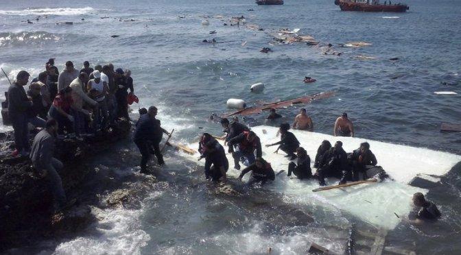 Tragedia en Atenas se hundió un barco con 200 inmigrantes